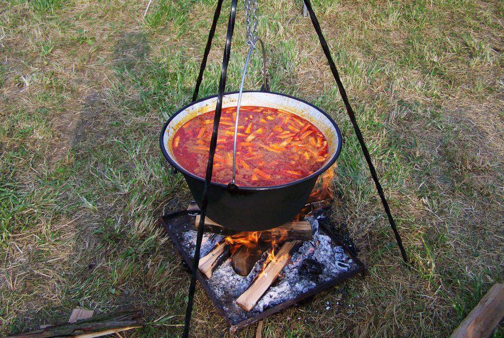 Pacalt főznek Erdélyben a zákányszékiek