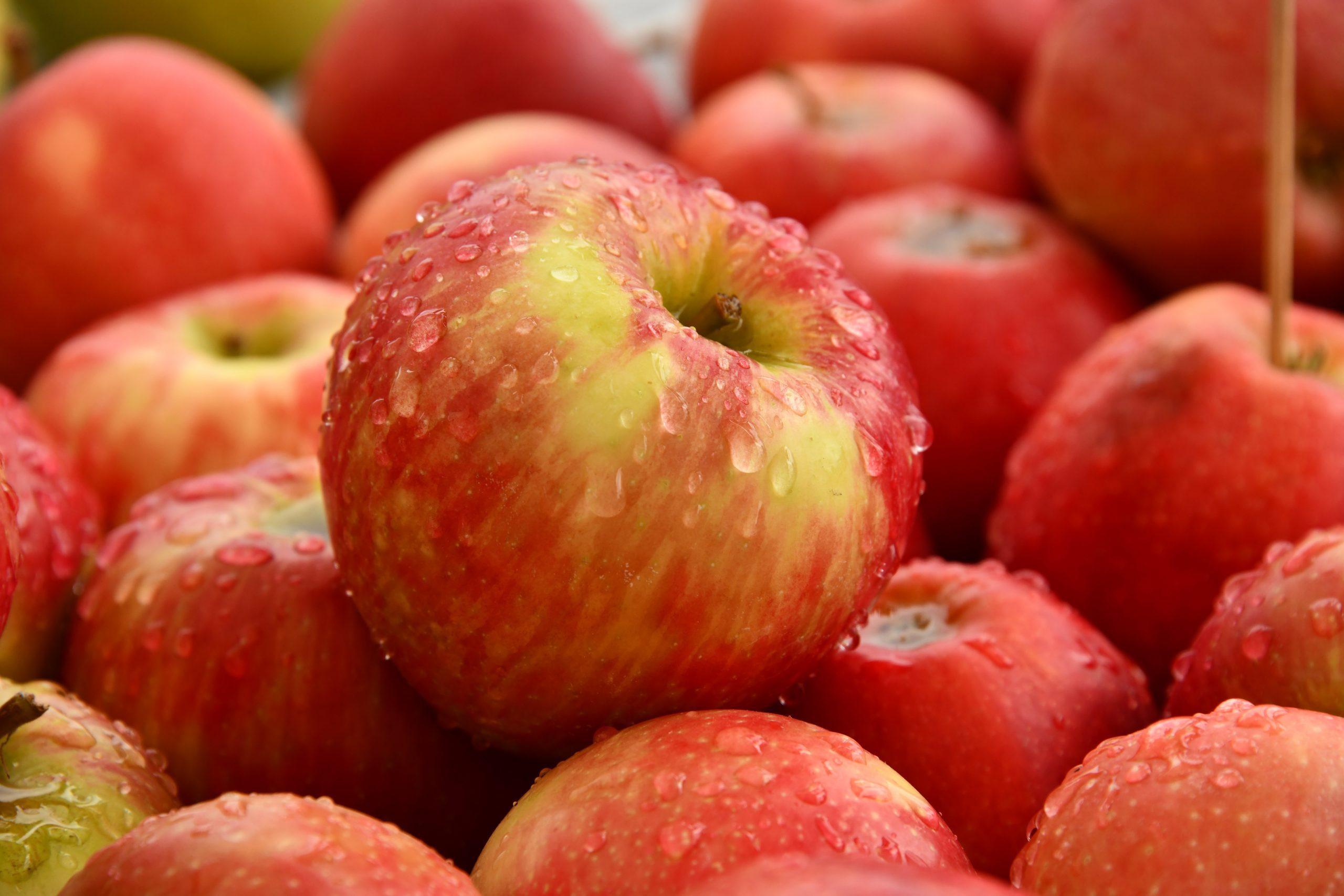 Hogyan mossuk a terményeket koronavírus idején: zöldségek és gyümölcsök tisztítása