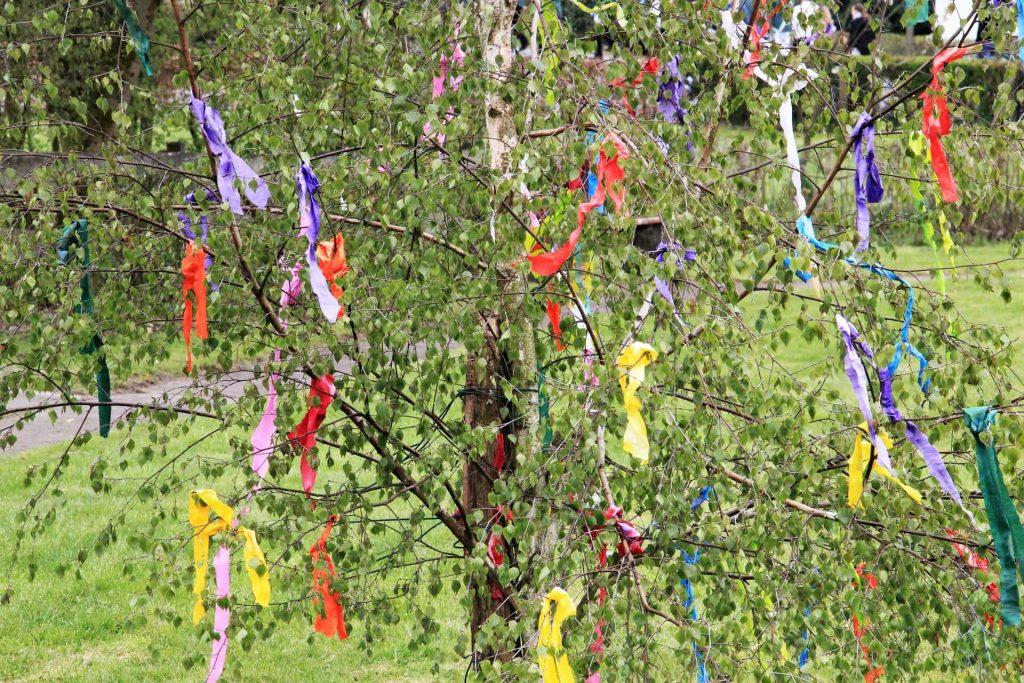 Május: az ezernevű hónap hagyományai